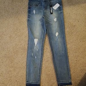 New jeans Dollhouse